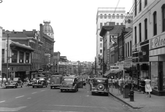 Danville, Street Scene [1946?], Virginia State Chamber of Commerce Photograph Collection, Computer File: 1999, Library of Virginia, Richmond, Virginia.